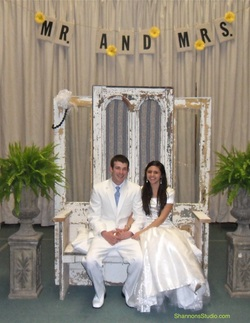 shannonsstudio.com DIY wedding couple's throne