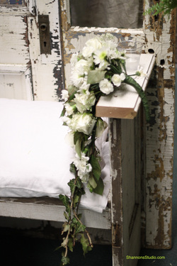 shannonsstudio.com shabby chic throne wedding
